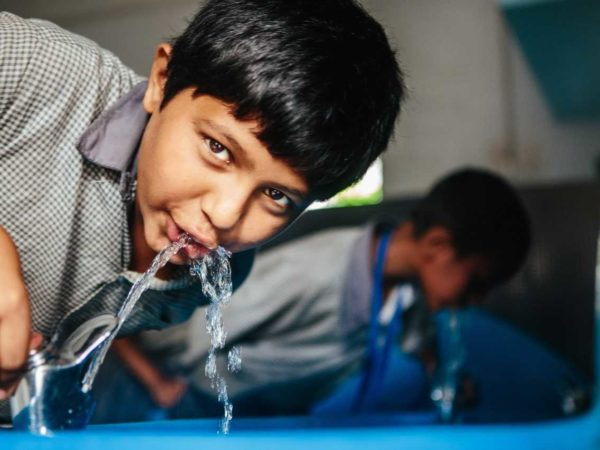 Miir and Splash helong to bring clean water to children around the world